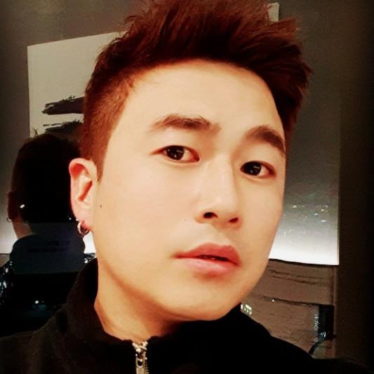 CR KIM on SoundBetter