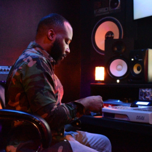 ILektris Music Group Lee Grant on SoundBetter