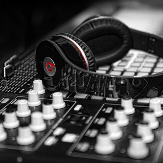 Eqiubeats on SoundBetter