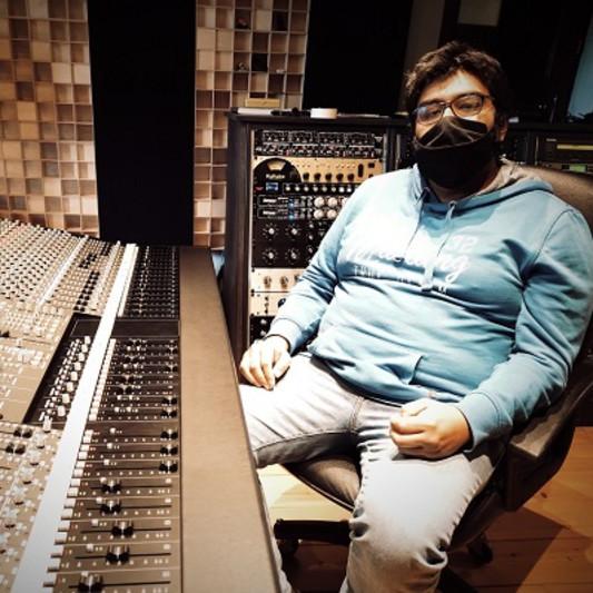 Julian G - session musician on SoundBetter