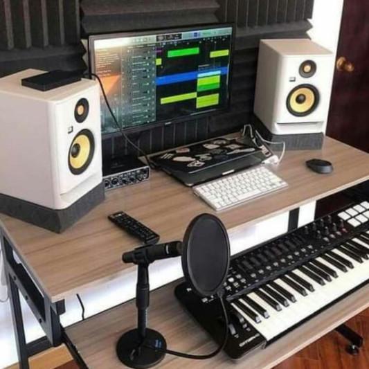 Nasmarghic on SoundBetter