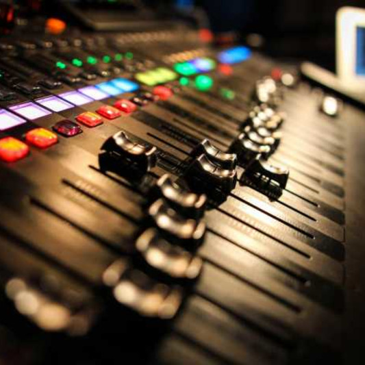 Cardin Lorenzo Hendricks on SoundBetter