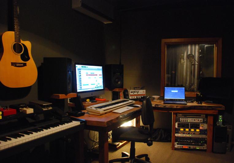Four4ty Productions on SoundBetter