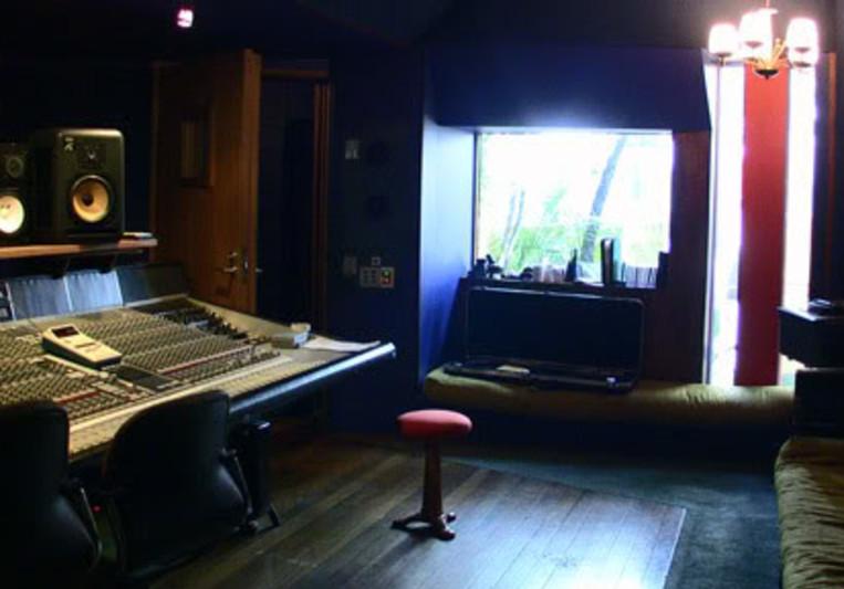 The Vault on SoundBetter