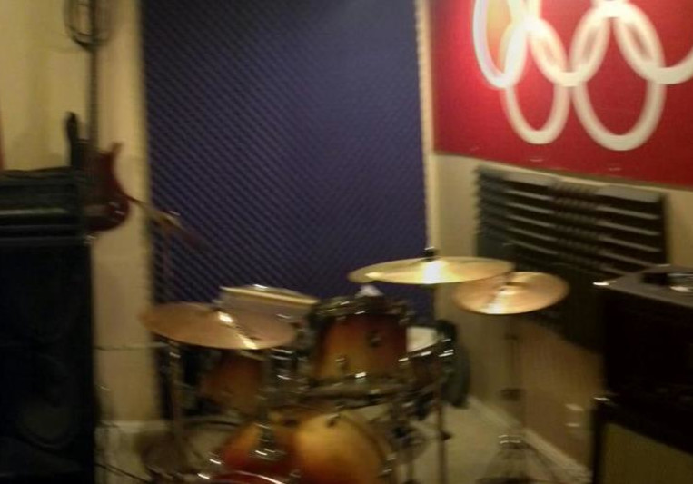 CloneLab Recording Studio on SoundBetter