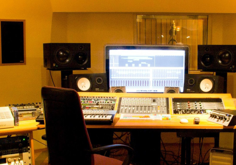 Homeboy Studios on SoundBetter