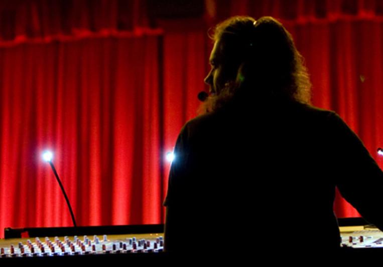 Derek Wilson on SoundBetter