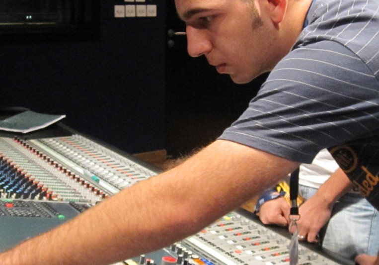 Recording and Mixing Engineer on SoundBetter
