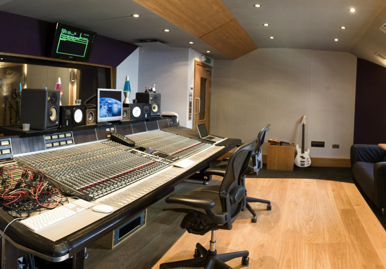Long Island Studios on SoundBetter