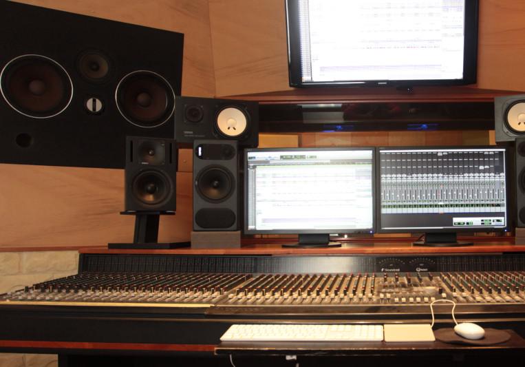 Waterland Studio Venice on SoundBetter