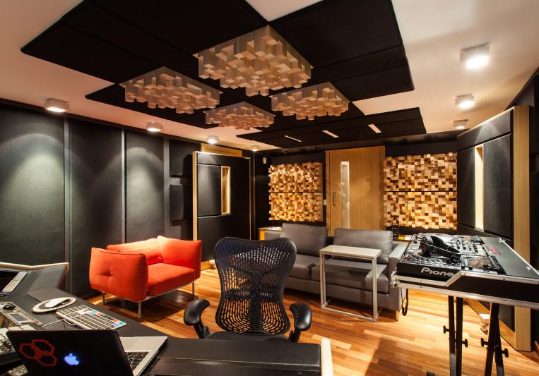 Dado Prisco Studios on SoundBetter