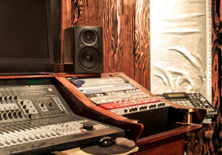Sound OFF Music Group on SoundBetter