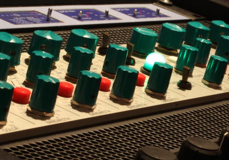 Transmit Music Studio on SoundBetter