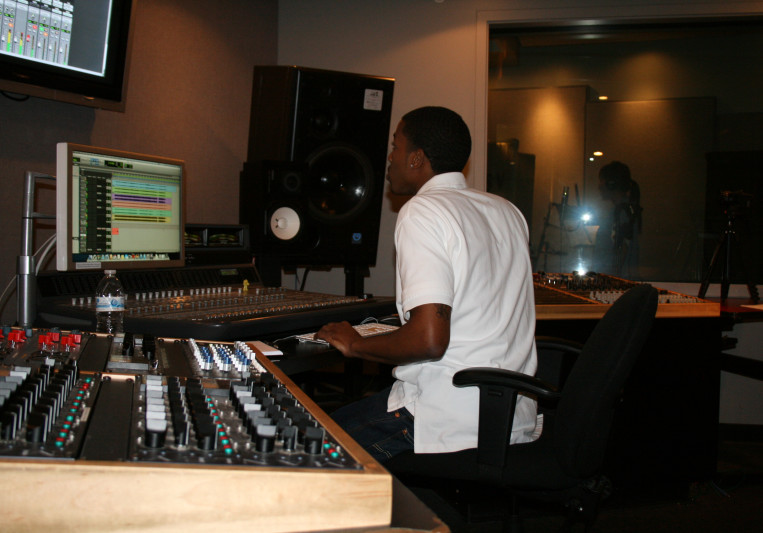 Online Mixing Studio on SoundBetter