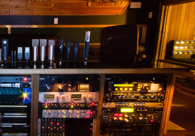 Bedside Studio/ Len Milne on SoundBetter