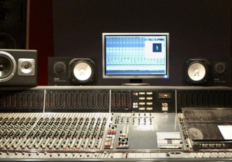 Maxime Breton on SoundBetter