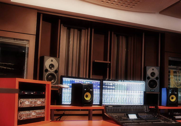 Black Diamond Studio on SoundBetter
