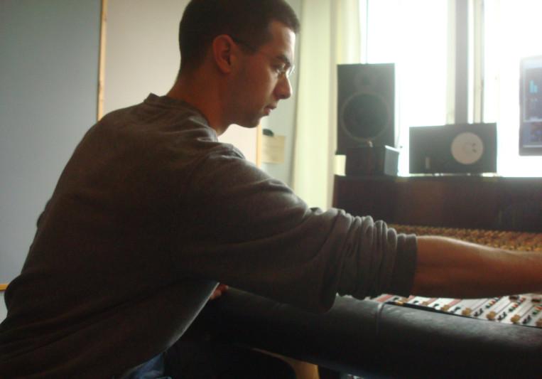Tomess on SoundBetter