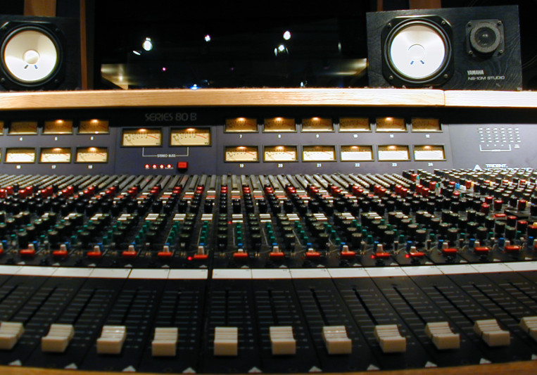 Nathan Lundstrom on SoundBetter