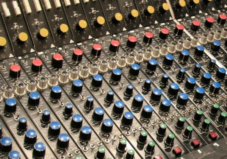 Santiago Peña on SoundBetter