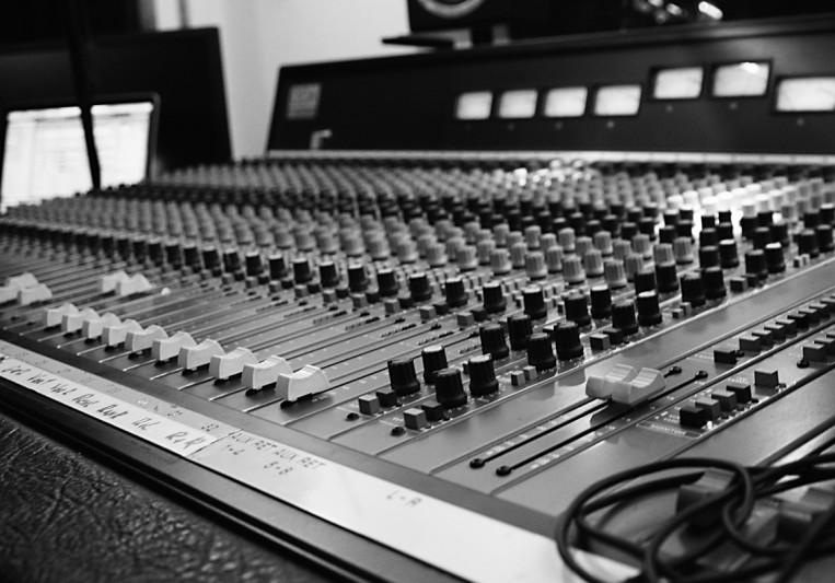 Vasilis Avg. @ Snakeytox Studio on SoundBetter