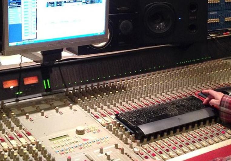 DLR on SoundBetter
