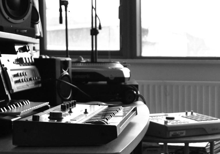 Flat25 Studio on SoundBetter