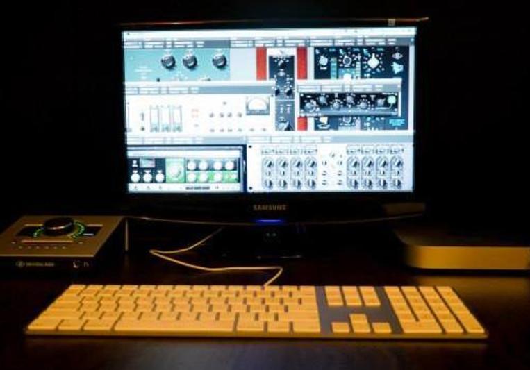 SPACEBOT Studio on SoundBetter