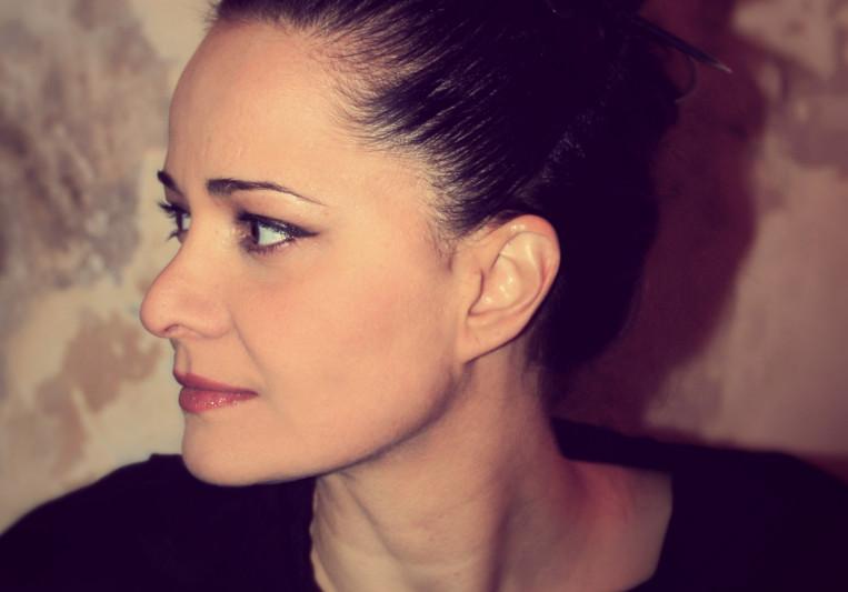 Zinovia Arvanitidi on SoundBetter