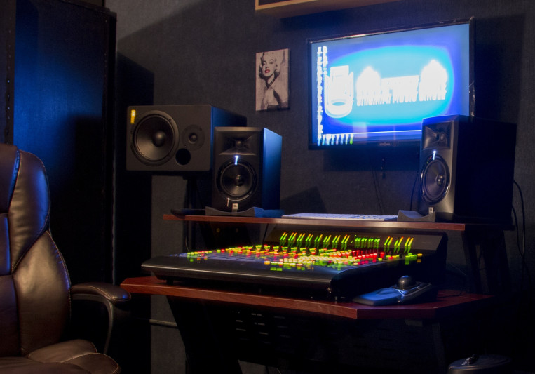 SMC Studio on SoundBetter