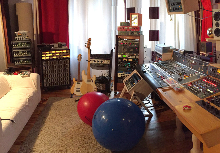 The Rolling Tapes Studio on SoundBetter