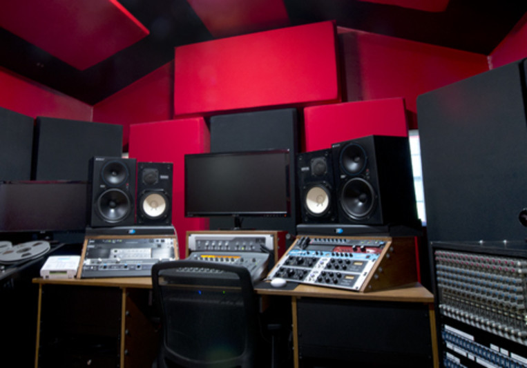 Greg Schettino / AFA Studio on SoundBetter