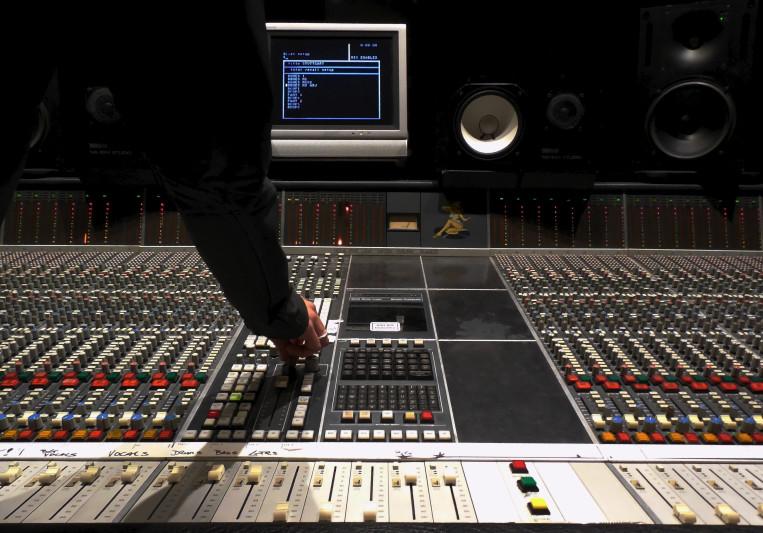 Mike Tholen on SoundBetter