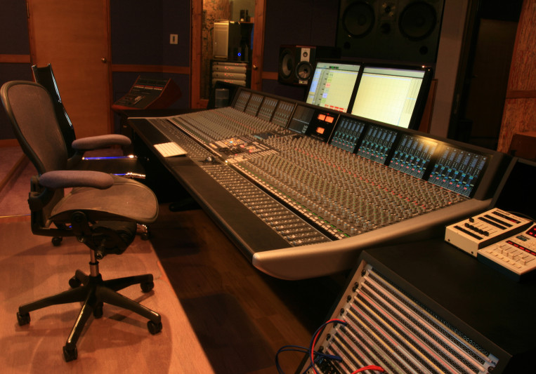 Kyriazis Studios on SoundBetter
