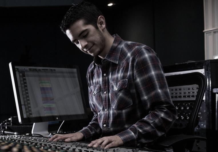 Andy BoZa on SoundBetter