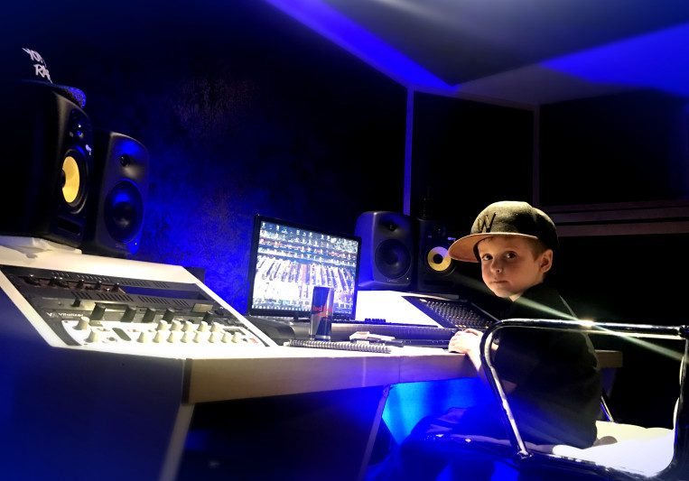 defbeatz music on SoundBetter