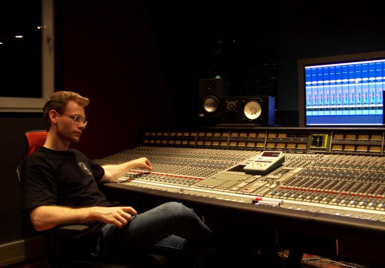 Christopher Hutt on SoundBetter
