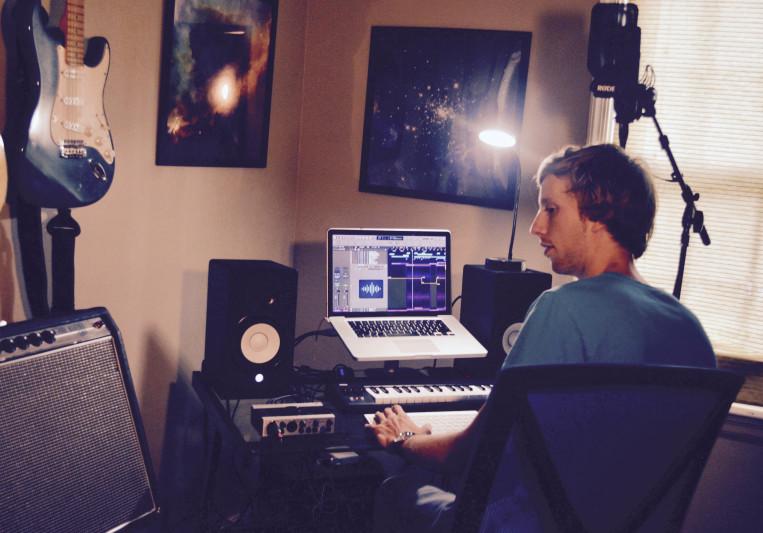 Elliot Johnson on SoundBetter