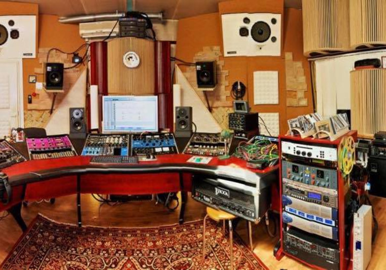 Wolk Recording Studios on SoundBetter