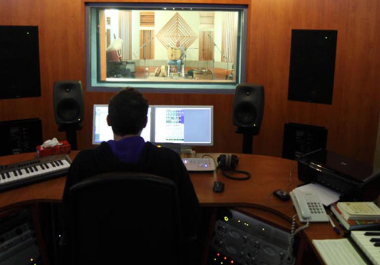 Vangelis Apostolou on SoundBetter