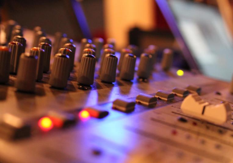 Push-your-music on SoundBetter
