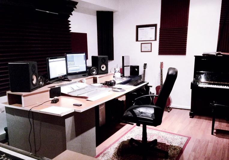 Swiftstudio on SoundBetter