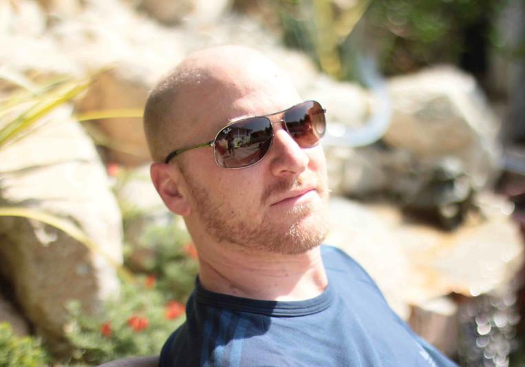 Adrian Schinoff on SoundBetter