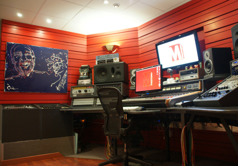 M Factory Studio on SoundBetter
