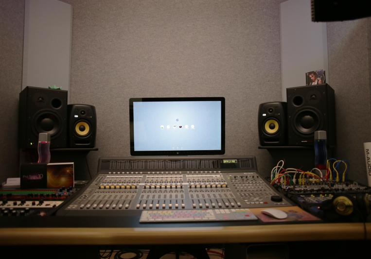 HM studios on SoundBetter
