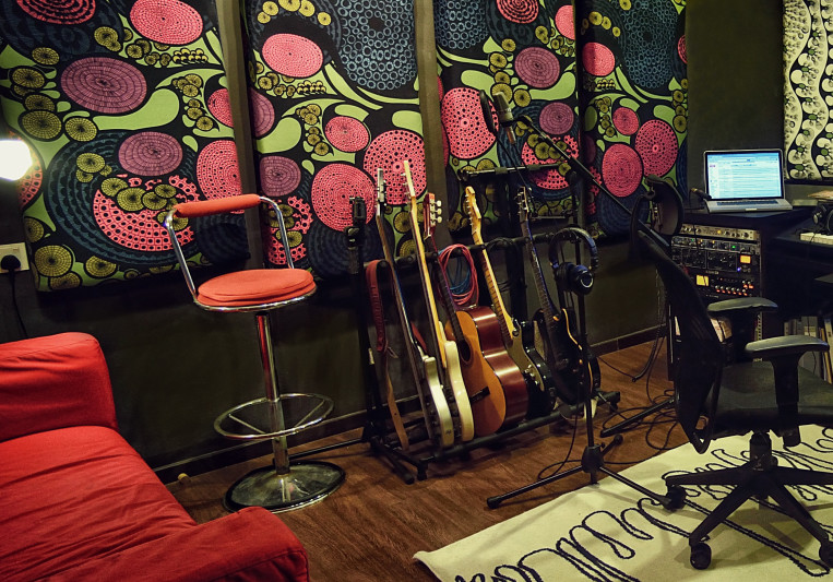 Haw Vee @ musicHaws Homestudio on SoundBetter