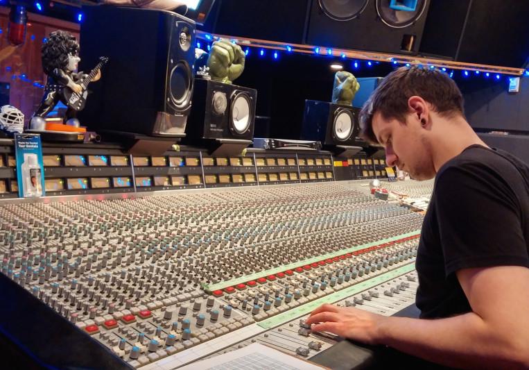 John Lindsay on SoundBetter