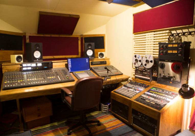 Alta Vista Recording Studio on SoundBetter