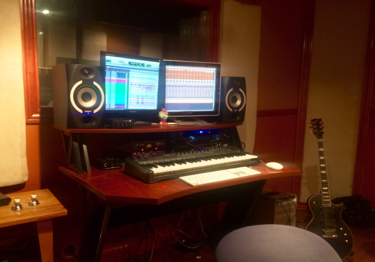 Mario W. Sound Raves Studio on SoundBetter