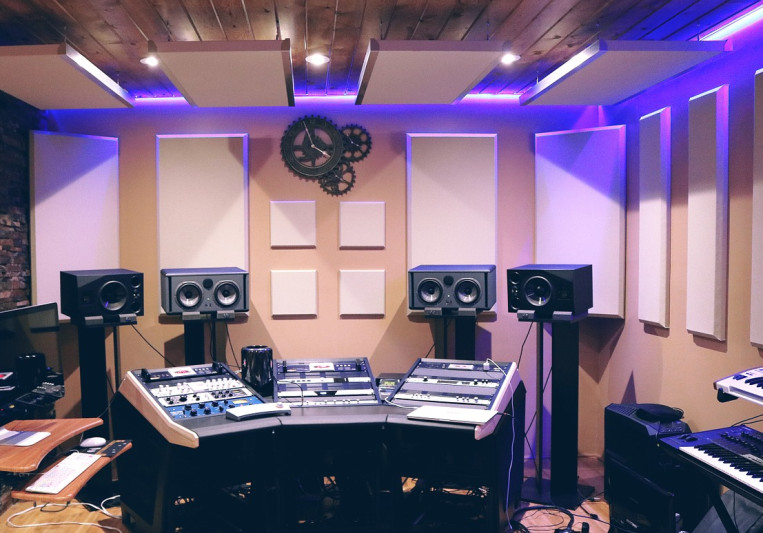 Red Room Studios on SoundBetter